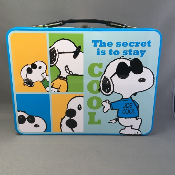 Official Snoopy Large Tin